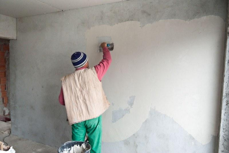 Подготовка стен под декоративную штукатурку - важный этап отделочных работ