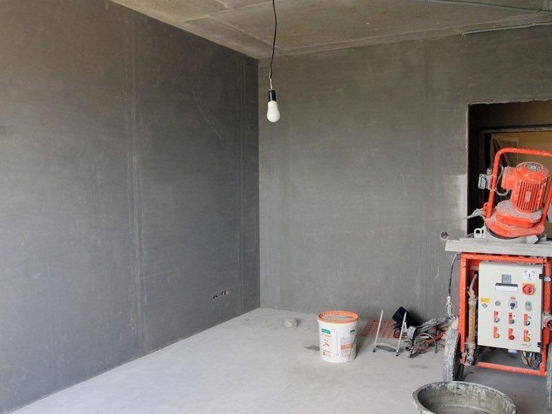 При высыхании шпаклевки необходимо обеспечить отсутствие сквозняков в помещении