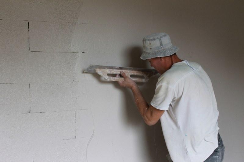 Шпаклевка стен из пеноблоков - процесс несложный