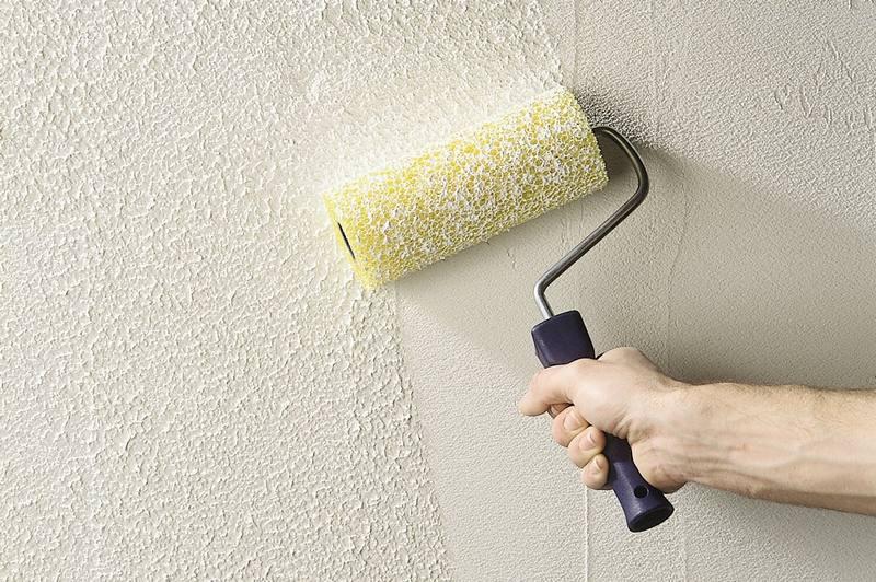 Декоративную штукатурку используют, если на поврехности при больших перепадах строительного основания