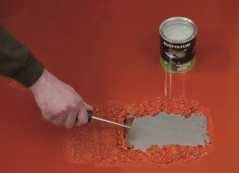 Для снятия снятия старых лакокрасочных покрытий можно воспользоваться специальными смывочными средствами