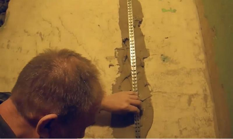 Для выравнивания стен в ванной используют маяки