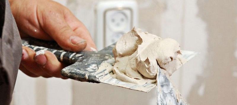 Финишная шпаклевка должна быть пластичной, устойчивой к перепадам температуры и влажности
