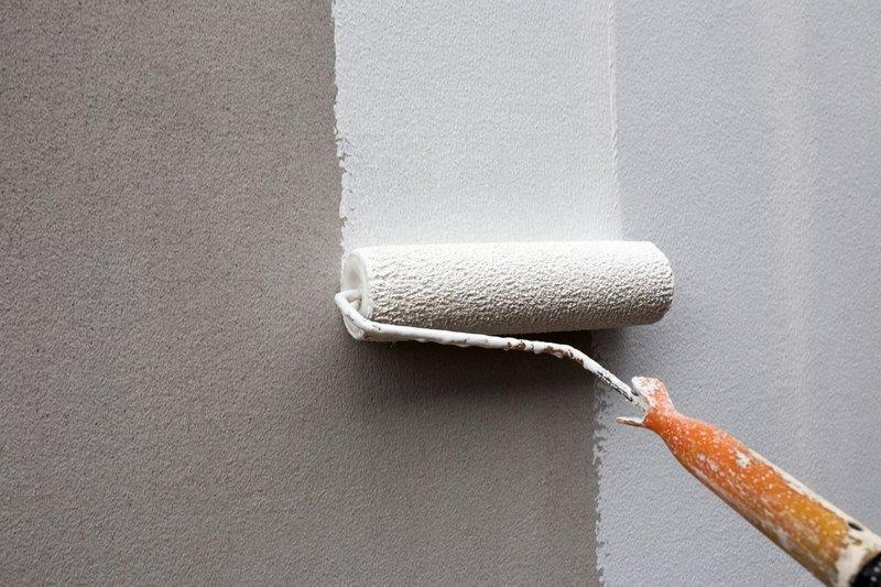 Грунтовка улучшит адгезию финишного покрытия с поверхностью