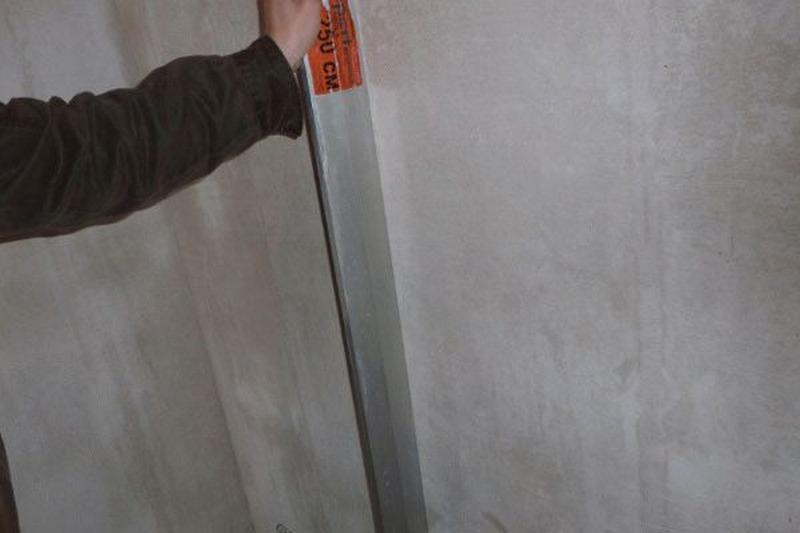 Качественное строительное правило не должно иметь неровностей, сколов и зазубрин