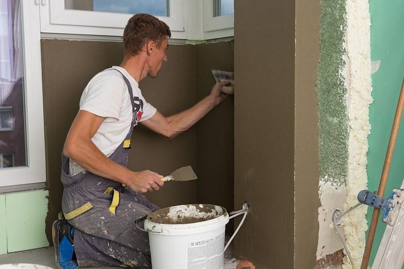 Отделку лоджии или балкона можно осуществить с помощью цементной шпаклевки