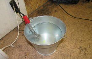 Простую воду нагревают до +35 °С