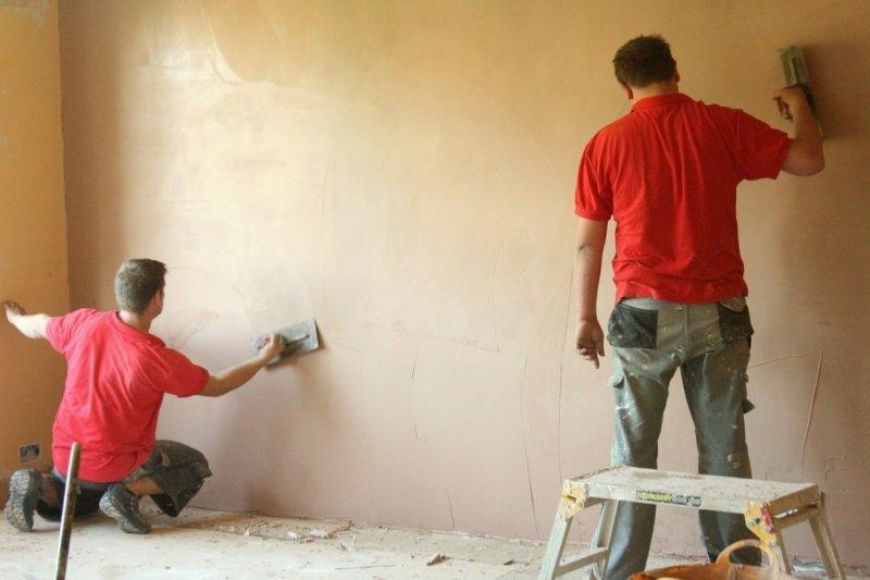 Штукатурка стен — это фундаментальный процесс ремонтных работ