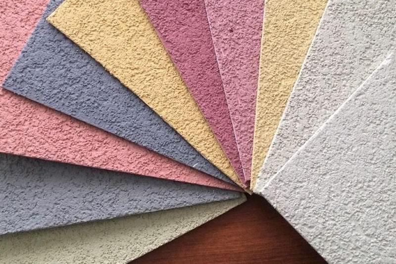 Среди достоинств штукатурки выделяют долговечность и широкую цветовую гамму