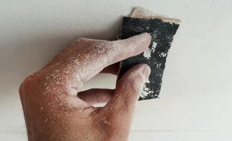Зашкуривание стен после шпаклевки – обязательная процедура для отделочных работ